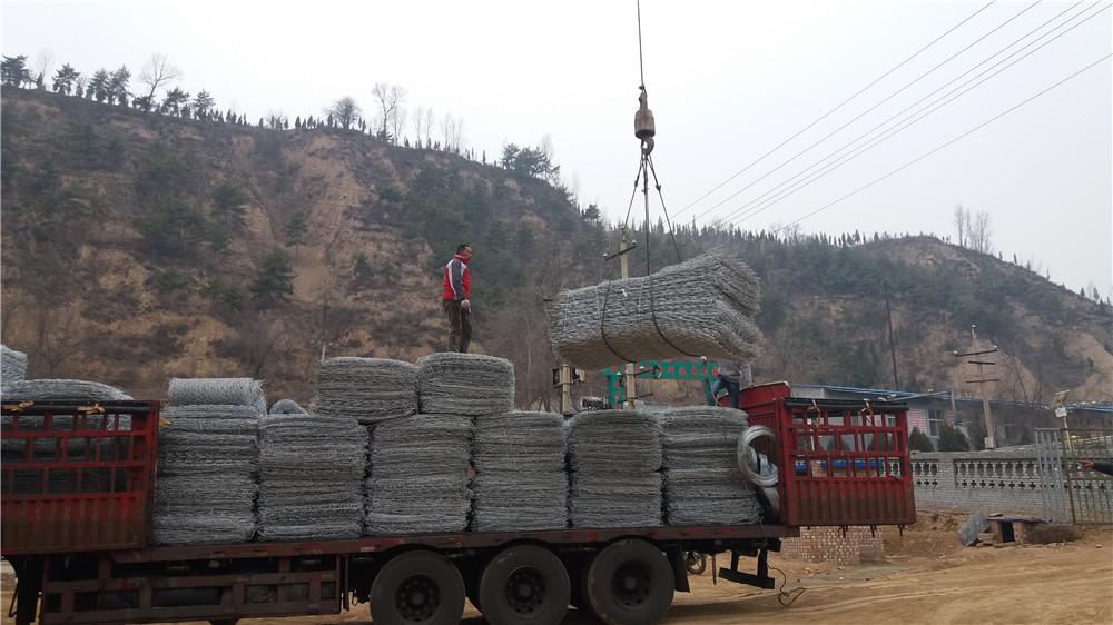石笼网卸货