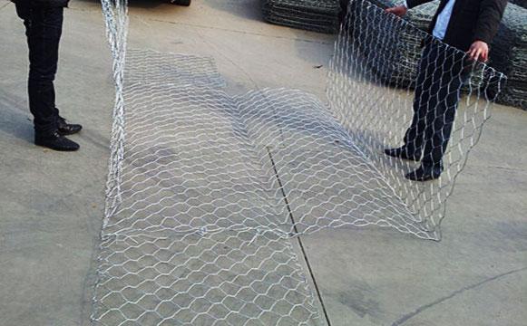 格宾石笼网展开之后的样子